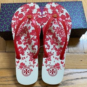 Tory Burch Red floral flip flop new 8